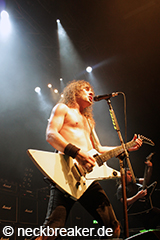live 20140717 02 04 Airbourne